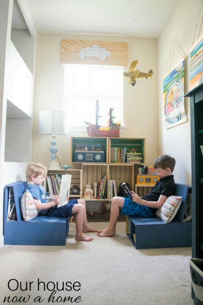 Simple ways to make a reading nook for a child's bedroom or play room. Boy bedroom decor ideas