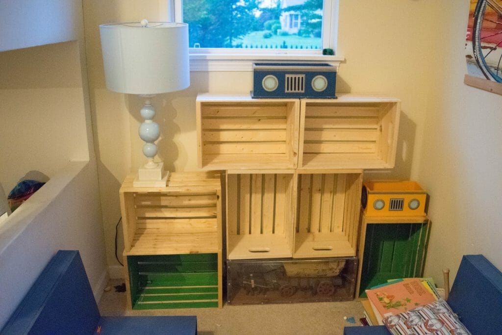 adding bookshelves to kids bedroom