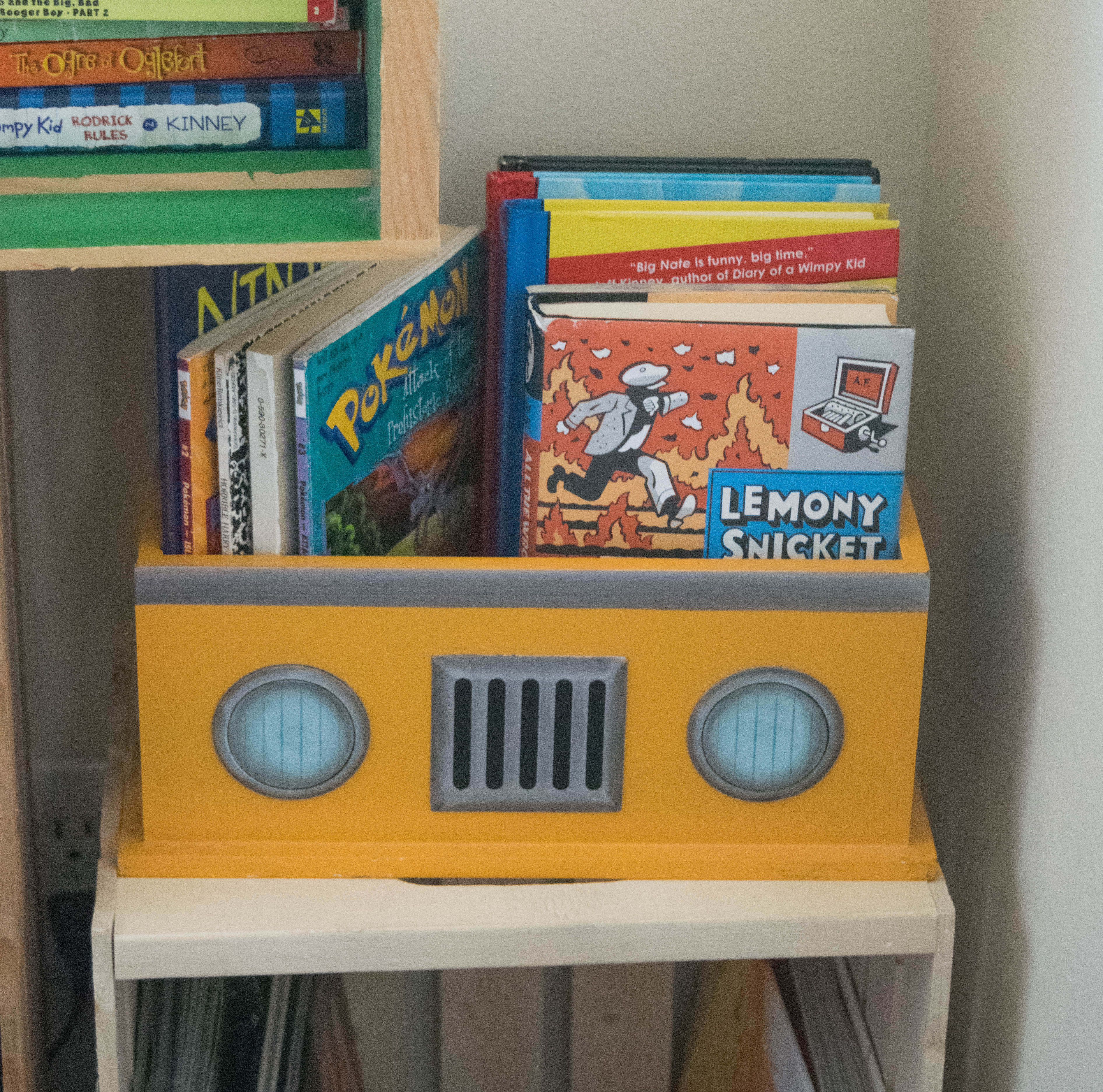 Creative Ways To Display Books 1 Of 1 Our House Now A Home