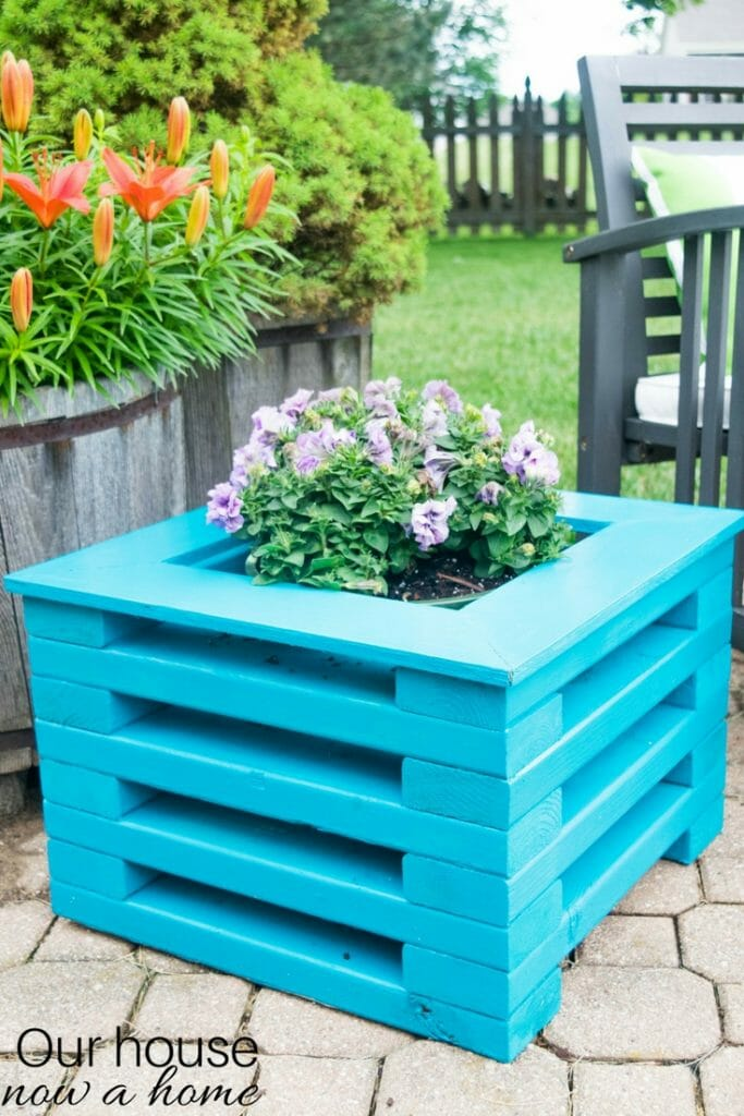 DIY 2x4 wood planter
