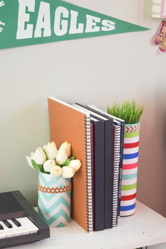 simple vase craft using wrapping paper (1 of 1)
