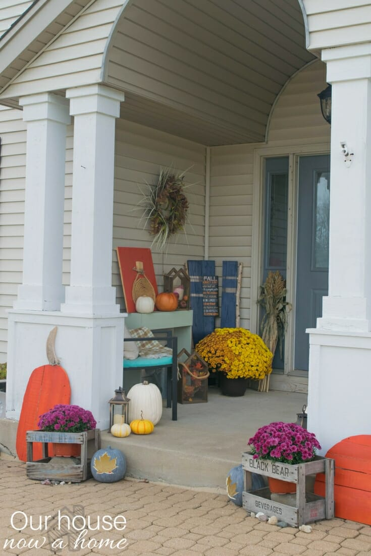 Fall front porch a mix of diy and rustic decor our for Ways to decorate front porch for fall