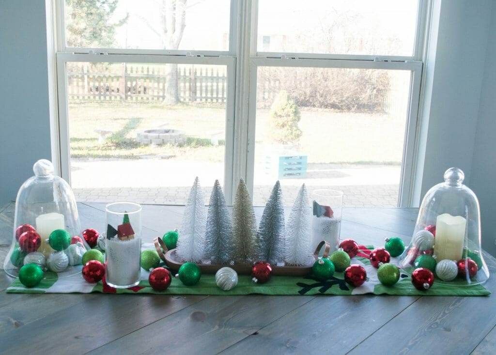 fun and kid friendly Christmas tebl decor