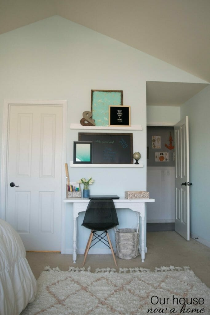 Simple home office ideas, creating a space in a bedroom. Adding function and style to a work space.