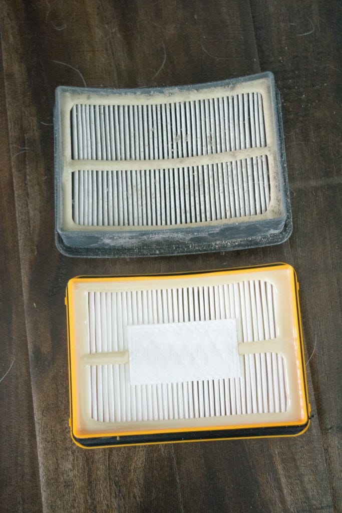 how to change vacuum filter