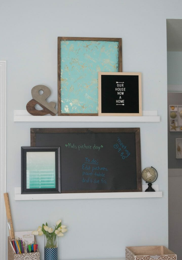 how to decorate a small desk