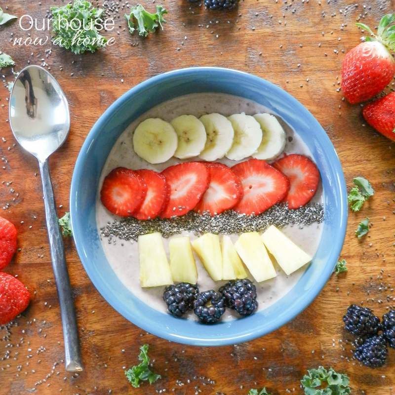 Superfood Fruit Smoothie Bowl