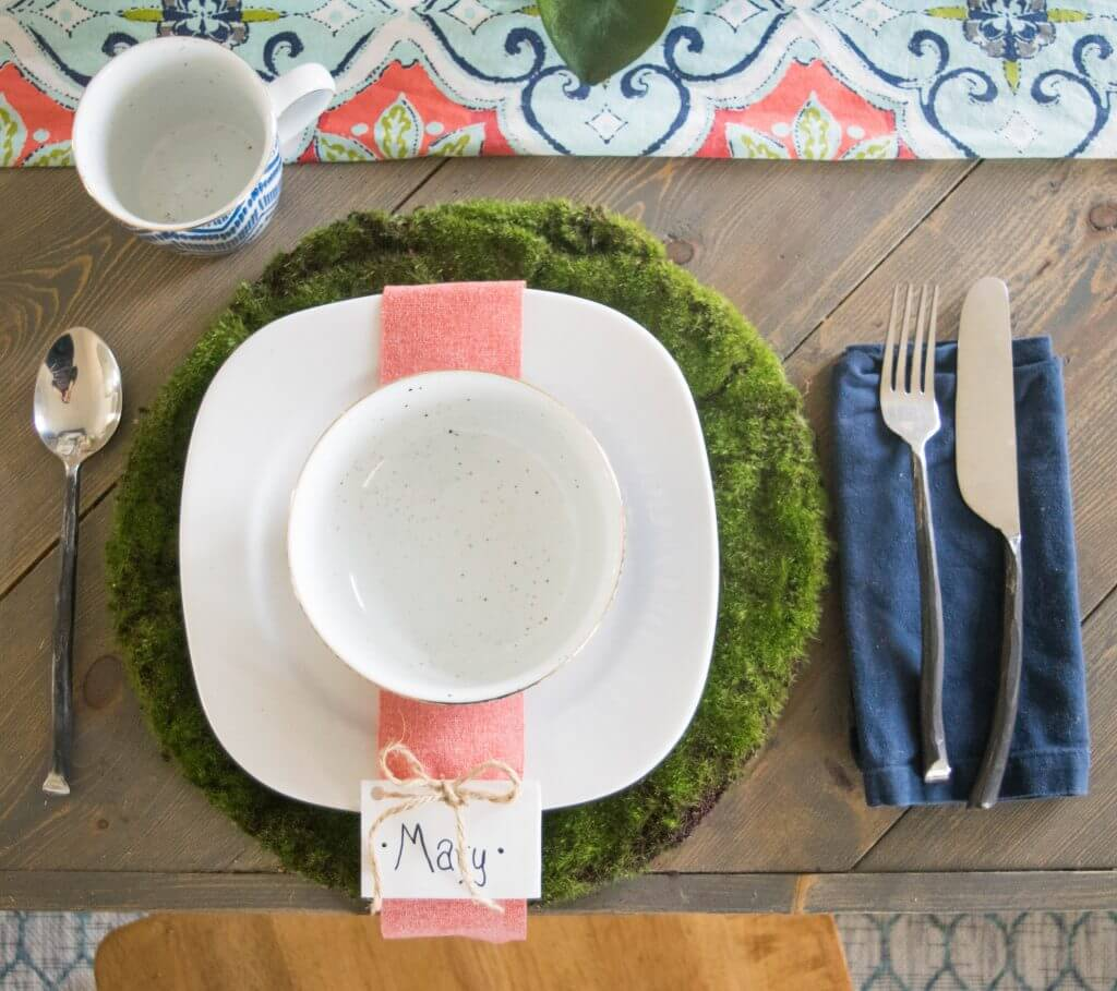 Spring style place setting